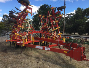 2018.05-bourgault-9800-cultivator